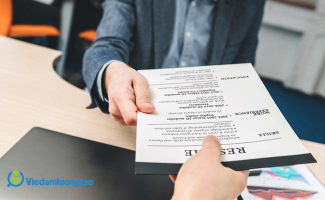 Nộp hồ sơ xin việc trực tiếp